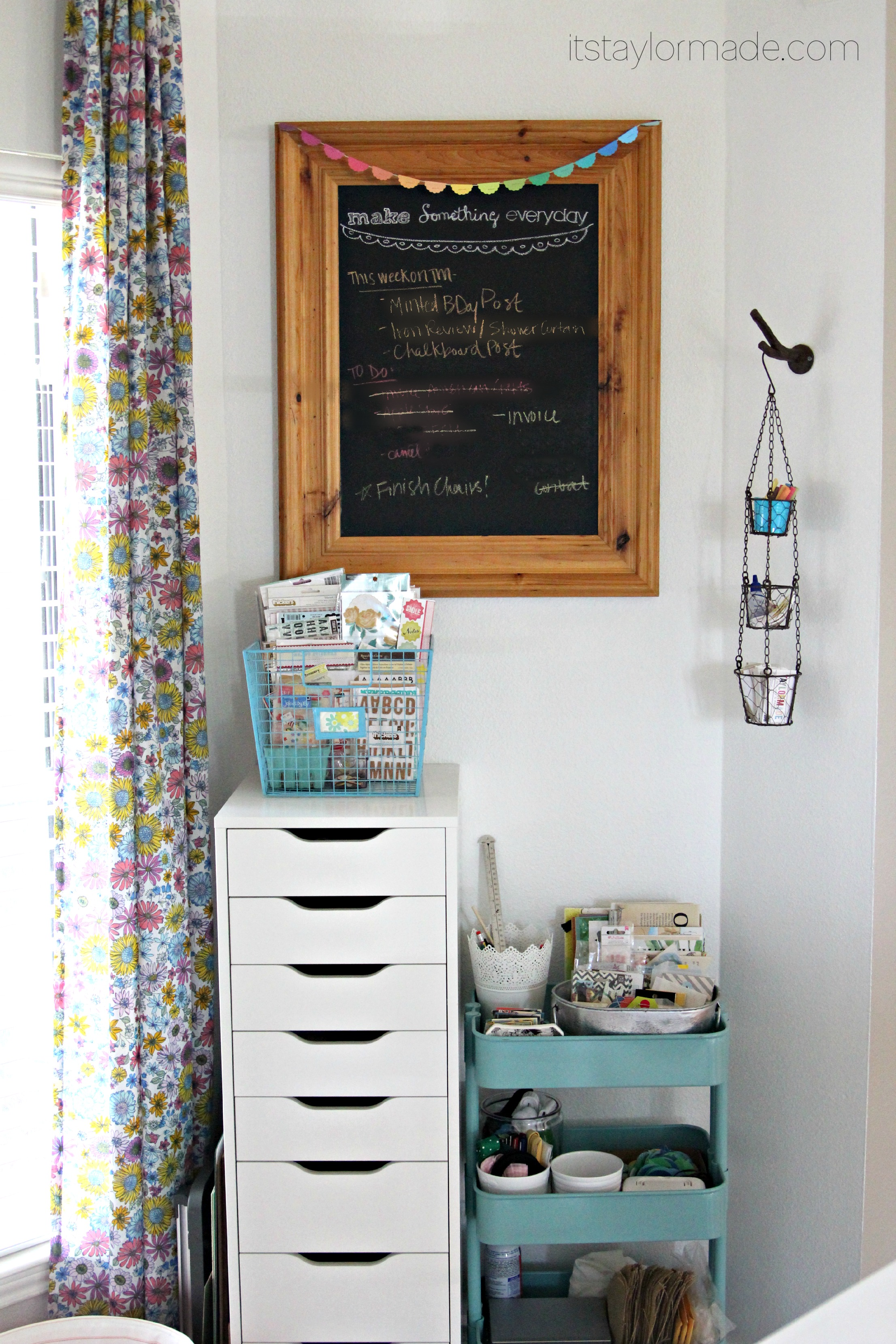My Daughters Box Room Right Side: A DIY Chalkboard