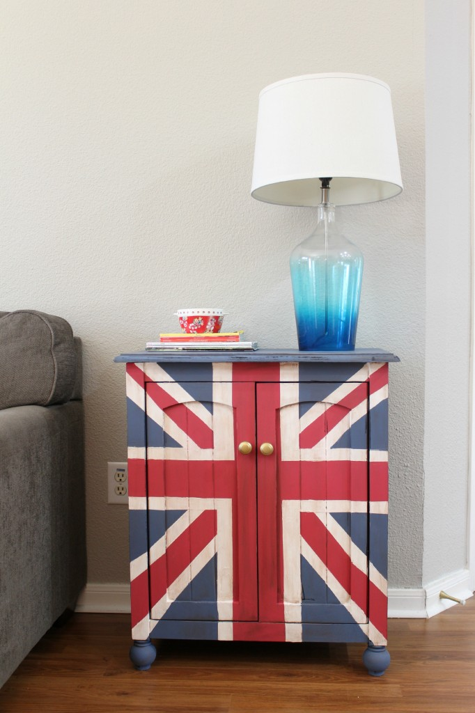 union jack table